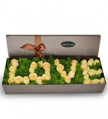 Love Kutuda Beyaz Güller