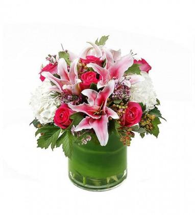 Pembe Çiçekler İle Aranjman