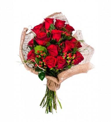 Red Color Çiçek Buketi