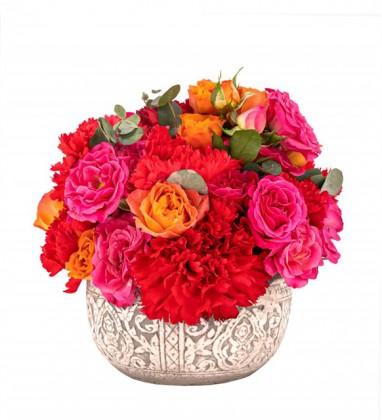 Kırmızı Karanfil ve Çardak Güller