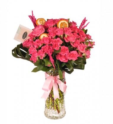 Vazoda Pink Çardak Güller